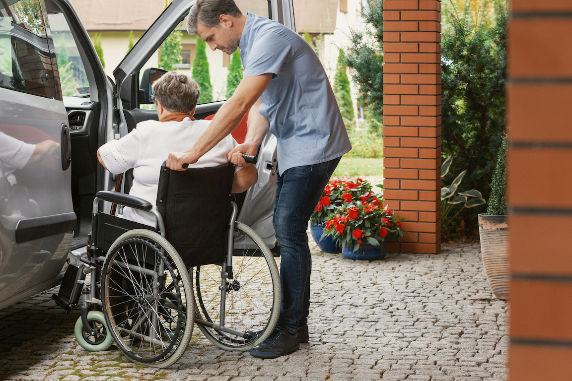 How to Find Transportation Services for Seniors
